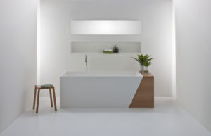 Latis bath with Timber End