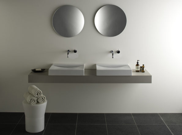 Omvivo Tom Stool with KL Basins