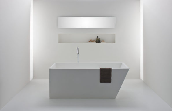 Solid surface baths by Omvivo