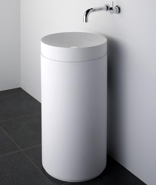 Omvivo Mono Basin with Pedestal