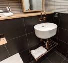 BRADY HOTEL CENTRAL MELBOURNE_STUDIO KING_LILLI BASIN
