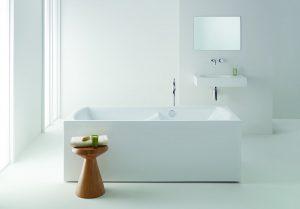 Freestanding Ergobath Classic Deluxe Spa with Arki Basin