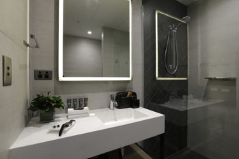 Custom Novotel Basin_Novotel South Wharf Melbourne